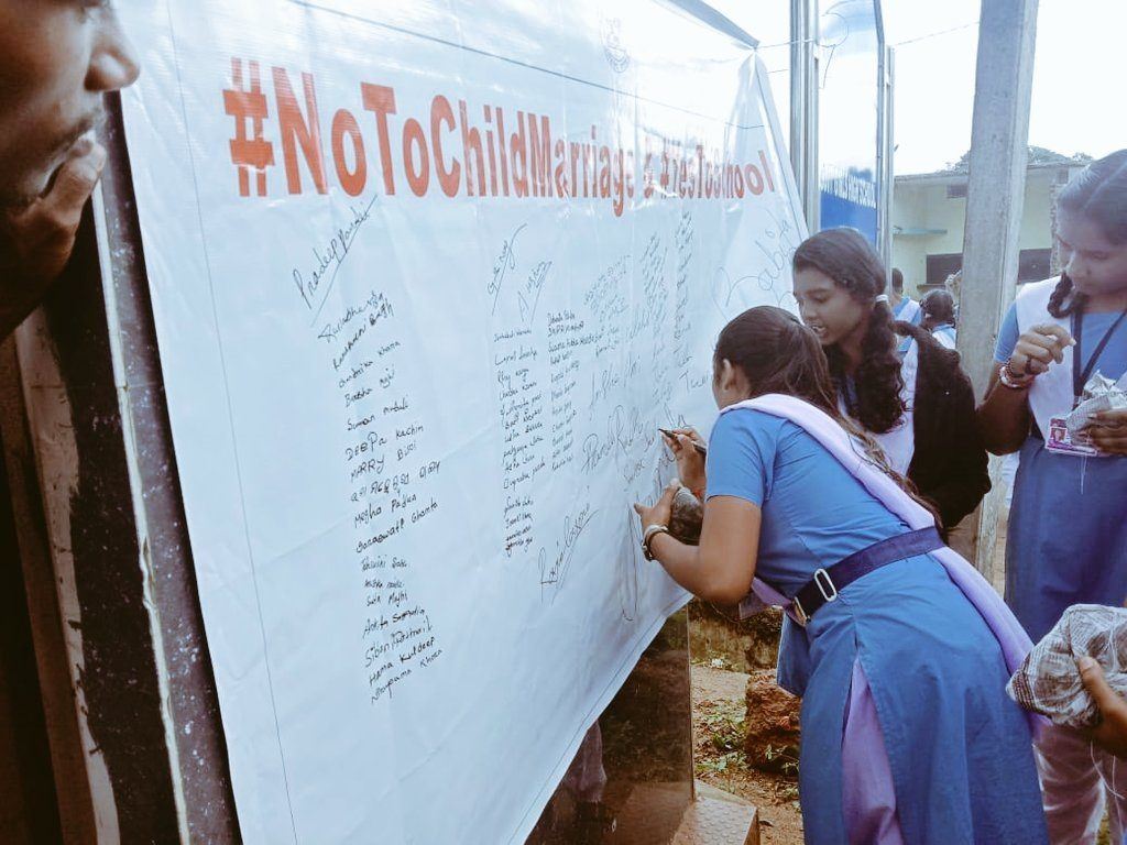 Children Supporting the No Child Marriage Campaign